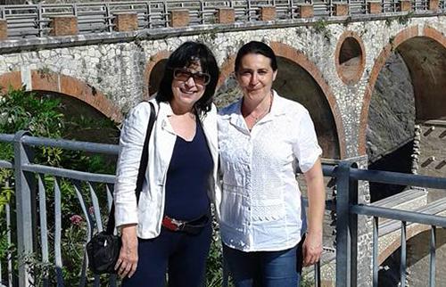 Carrara Loc. Fantiscritti Ponti di Vara Maria Rita Vata con la Dott.ssa Luisa Pavesio capo redattore Inews in Zurigo